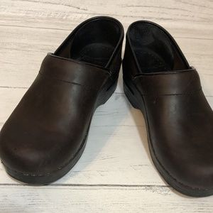 Dansko Professional Brown Leather Clogs Size 36